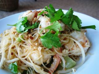 2009_June_Food_Shrimp Pad Thai2