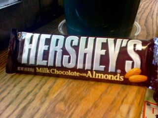 Hersheys Milk Chocolate with Almonds2
