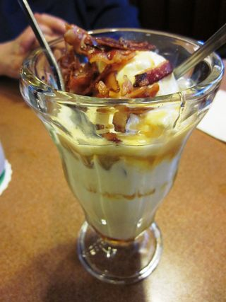 Dennys Bacon Sundae