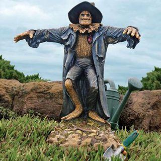 Garden-Scarecrow-Statue-1