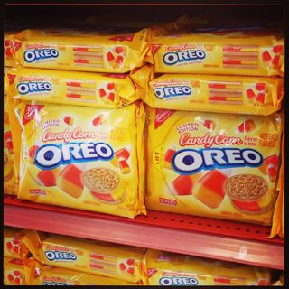2013_Candy Corn Oreos
