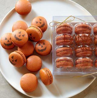 Pumpkin Macarons-1