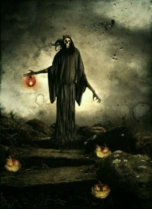 14-Skeleton with Lantern